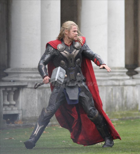 Spoilers! New Thor 2 set photo reveals 'giant mecha cock' plot
